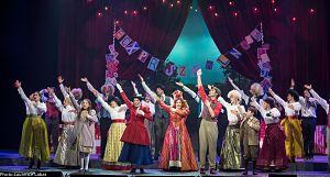La troupe de la comédie musicale Mary Poppins © Laurence Labat (courtoisie Juste pour rire)